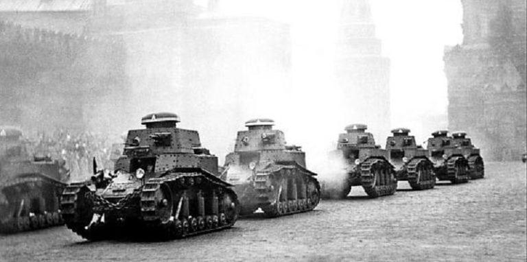 танки т-18 на красной площади