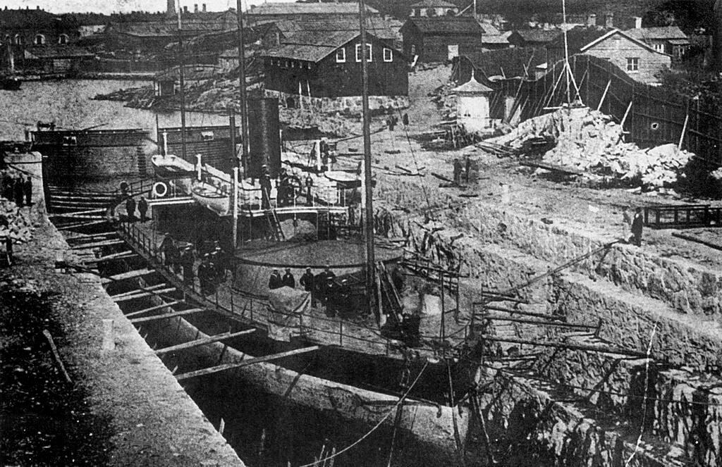 «Русалка» в Сандвикском доке. Гельсингфорс, 1890 год