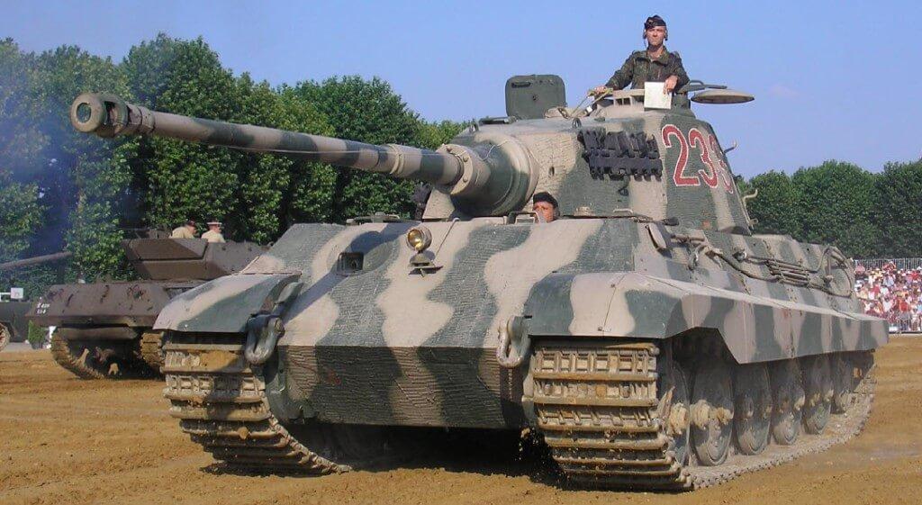 королевский тигр на реконструкции
