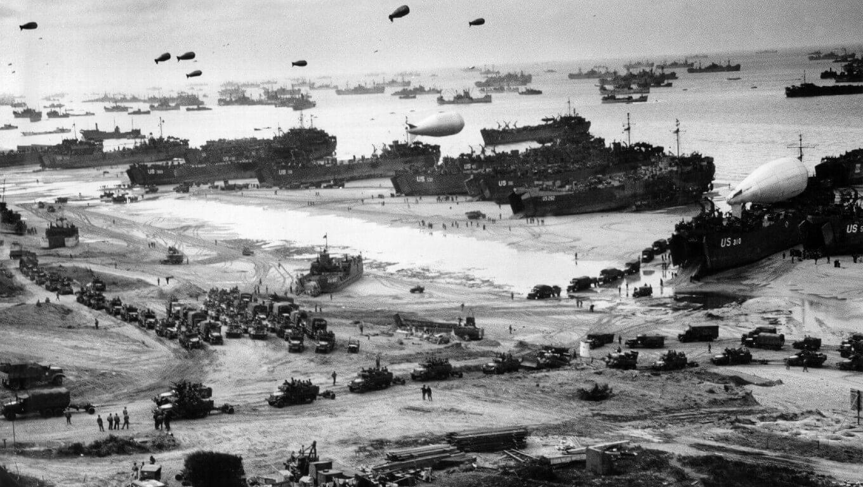 Морская десантная операция, проведенная в период с 6 июня по 25 июля 1944 года в Нормандии во время Второй мировой войны силами США, Великобритании, Канады и их союзников против Германии.