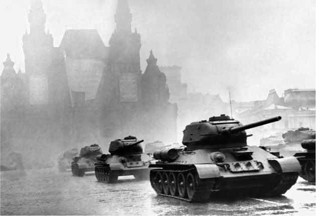 Танки ОТ-34-85 в Москве