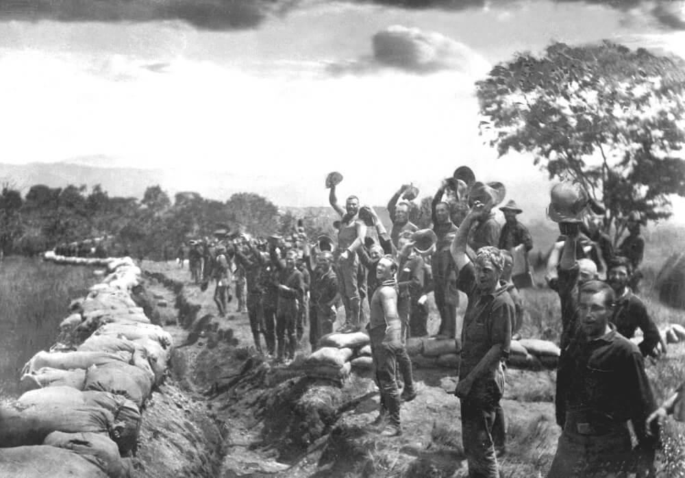 Американские солдаты после капитуляции испанских войск в Сантьяго-де-Куба. Куба, 1898
