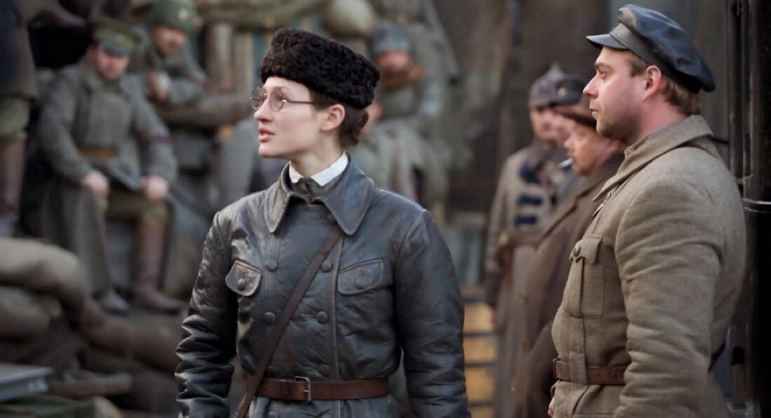 Актриса Мириам Сехон в образе Розалии Землячки. Кадр из фильма «Солнечный удар»