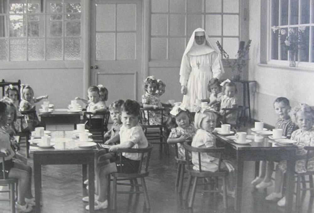 Дети в доме матери и ребенка Бон Секур в Туаме