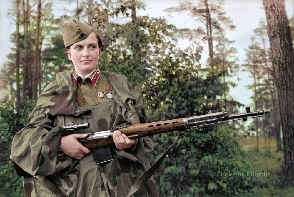 Людмила Павличенко - самая известная женщина-снайпер / Реконструкция цвета © Klimbim