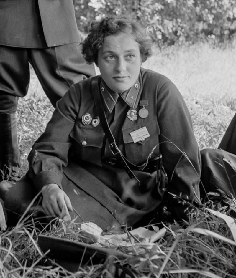Людмила Павличенко - снайпер СССР