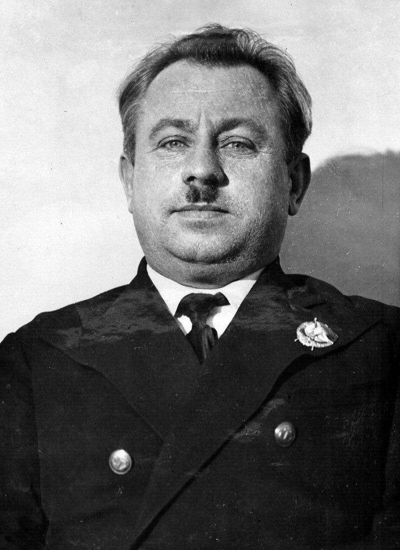 Папанин, награждённый орденом Красного Знамени, 1938 год