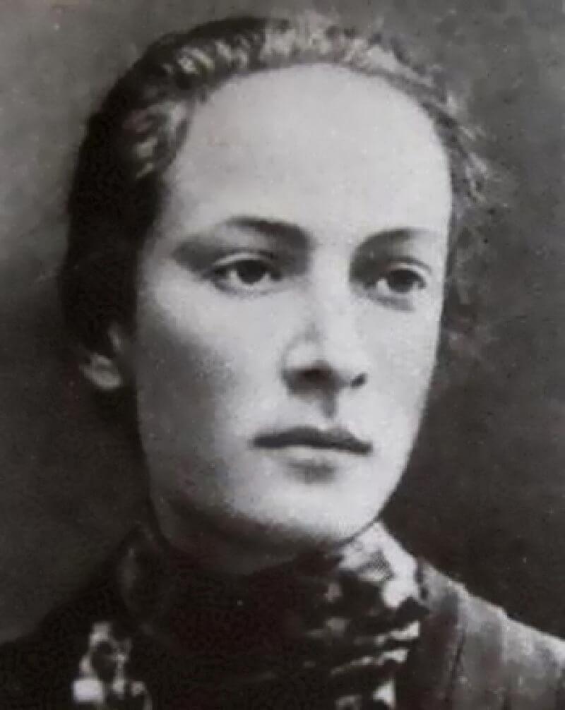 Розалия Землячка в молодости
