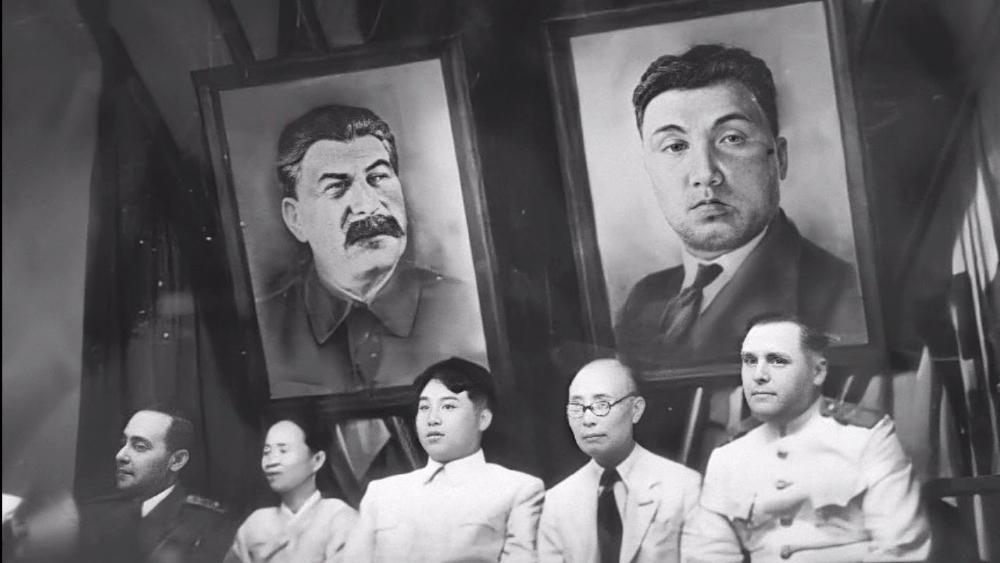 Ким Ир Сен на заседании ЦК Трудовой партии Северной Кореи. 28 августа 1946 года