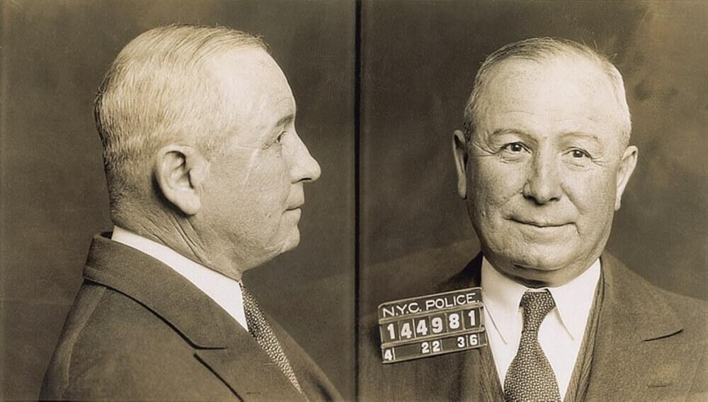 Джон Торрио, фото сдлано сразу после его ареста в 1936 году за уклонение от уплаты налогов
