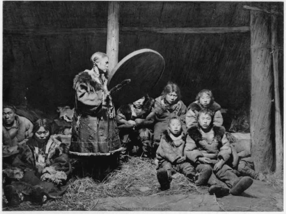 Женщина-шаман