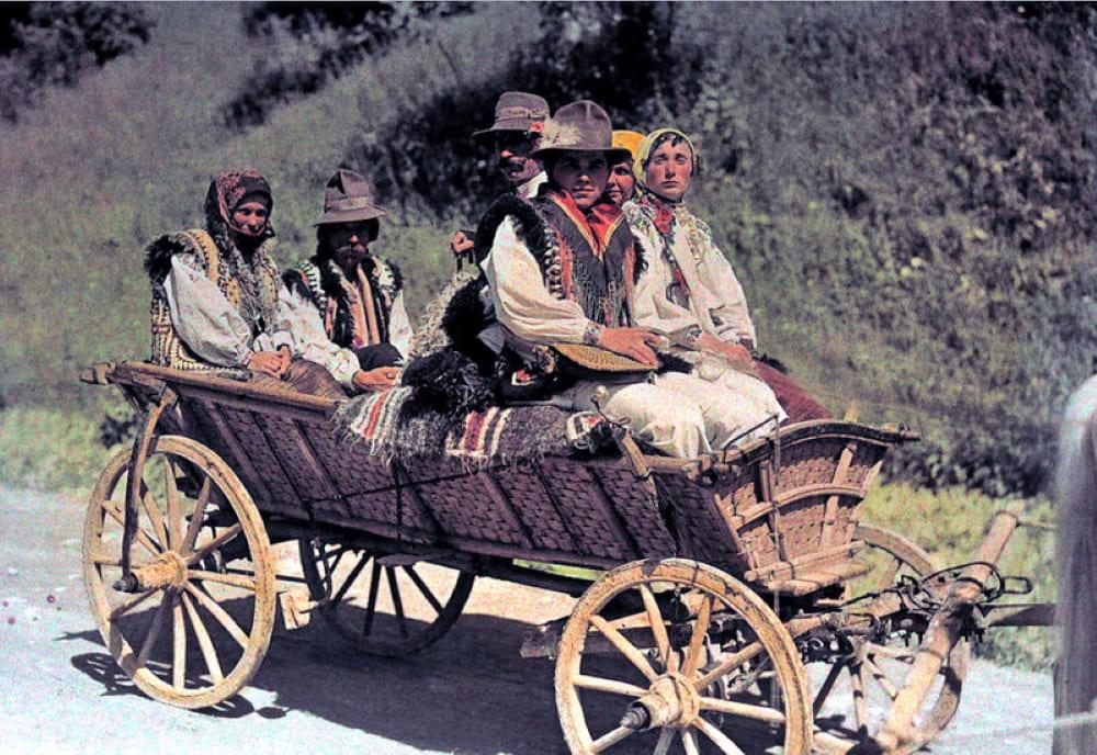 Группа польских крестьян на повозке / © Ганс Гильденбрандт