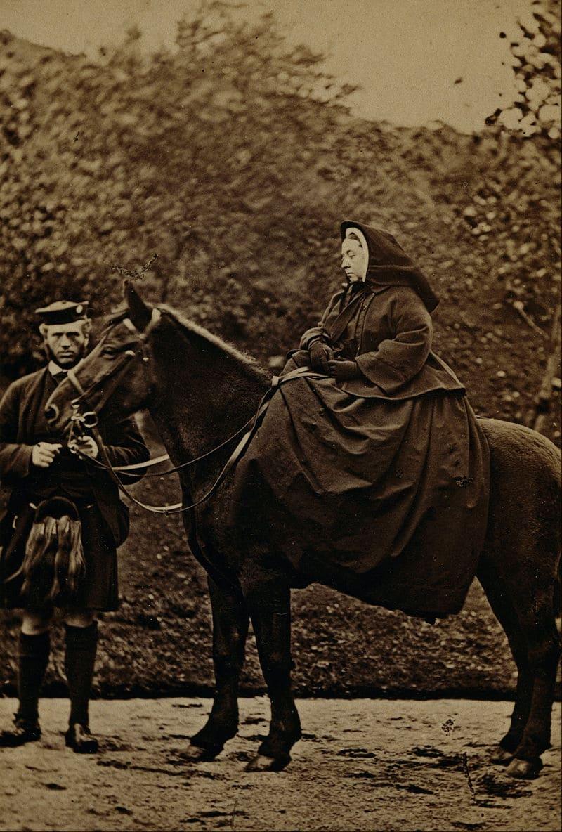 Королева Виктория и Джон Браун в Балморале