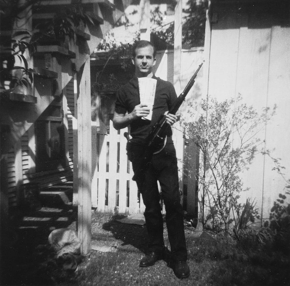 Ли Харви Освальд с винтовкой «Каркано»