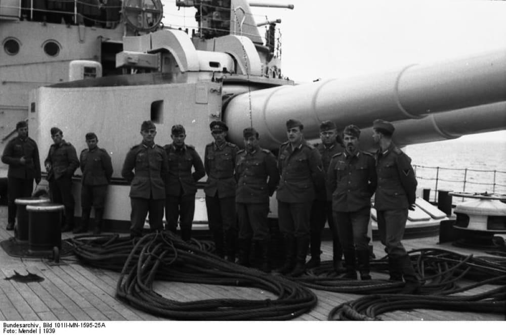 Линейный корабль «Шлезвиг-Гольштейн» / ru.wikipedia.org