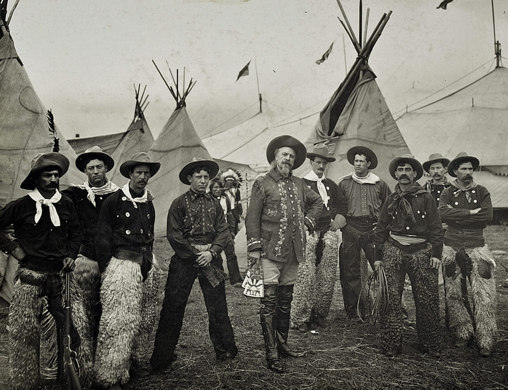 Буффало Билл и его команда в 1904 году