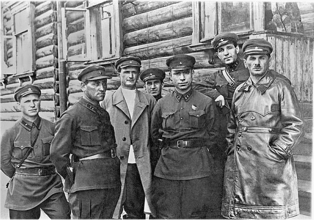 ОГПУ-начальники, ответственные за строительство Беломорско-Балтийского канала, справа Натан Френкель