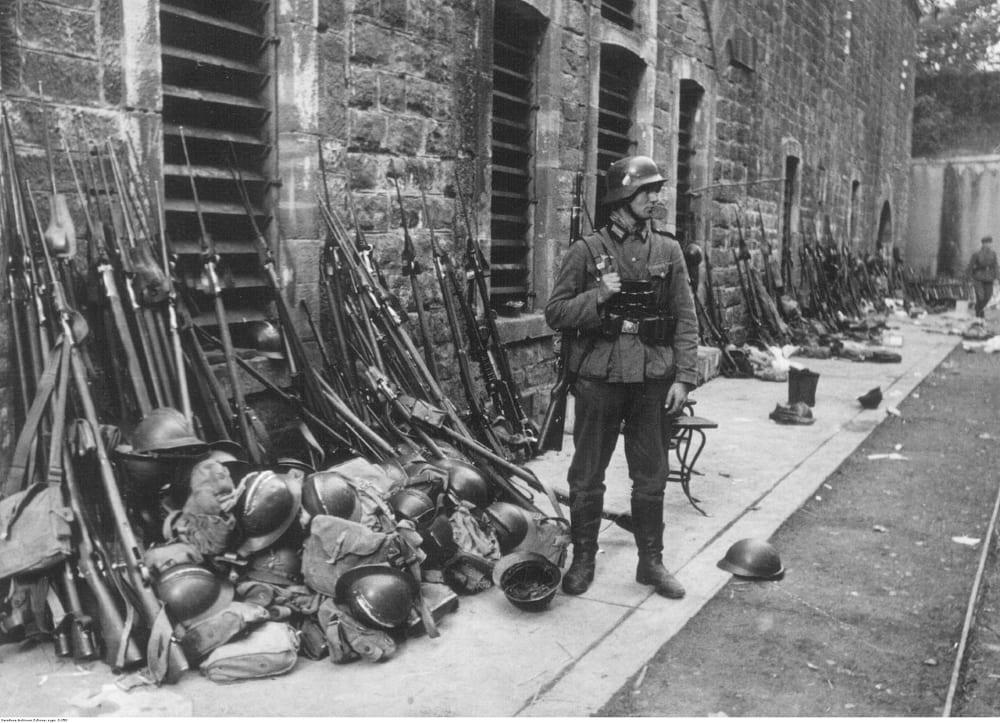 Оружие, захваченное немцами во время Французской кампании.