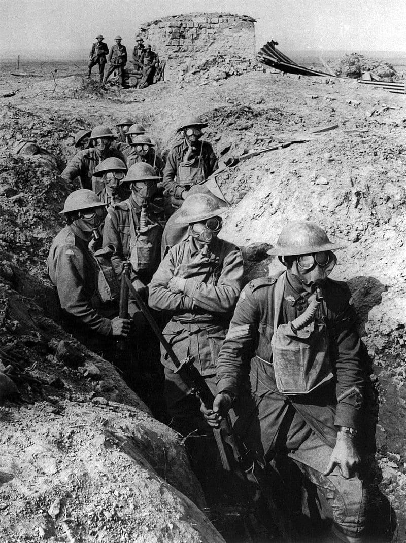 Австралийские солдаты в окопах
