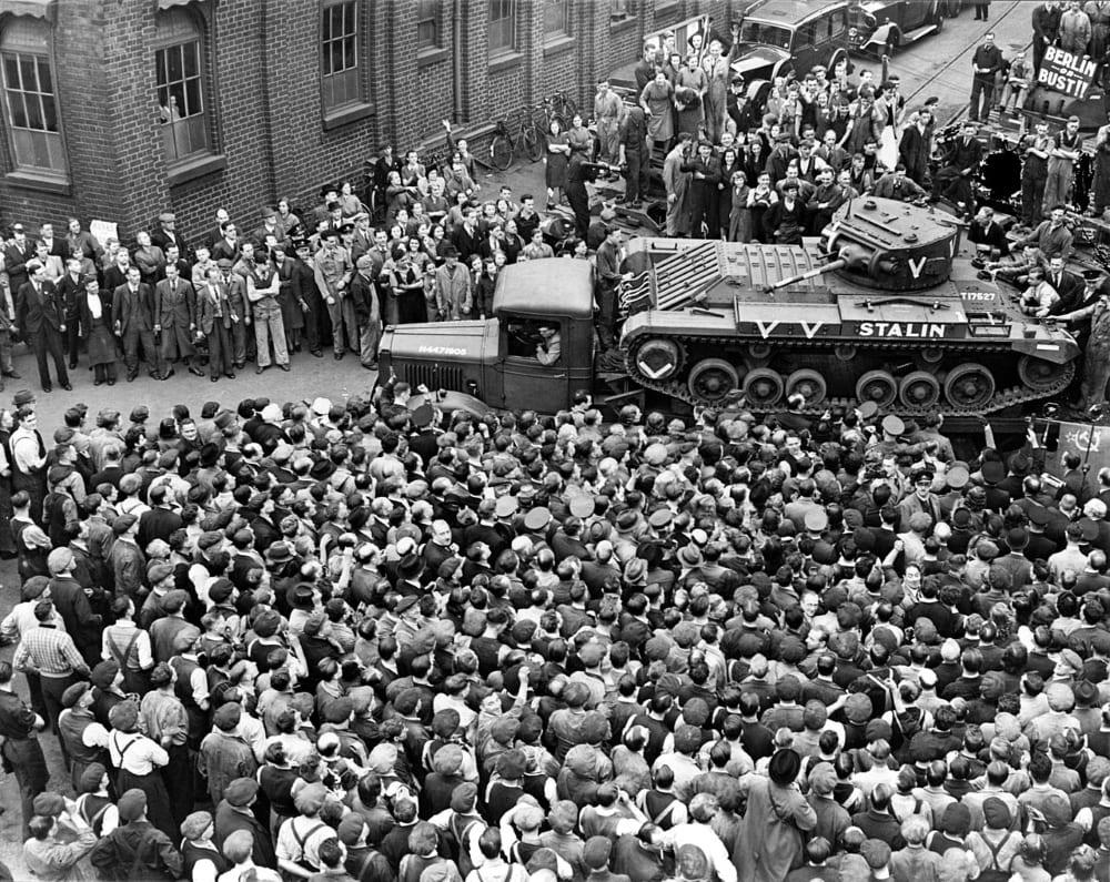 «Валентайн» «Сталин» идёт в СССР по программе ленд-лиза