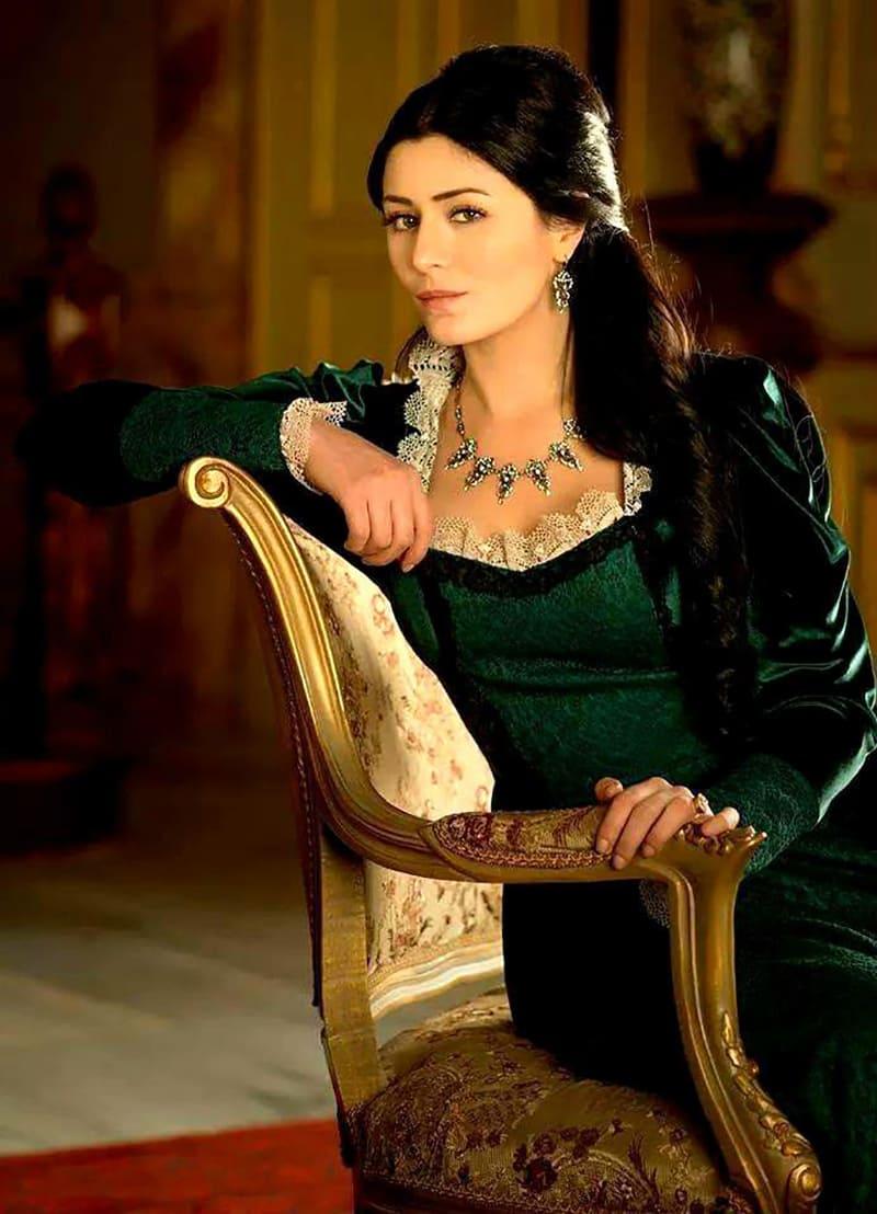 Образ Шах-султан из сериала «Великолепный век»