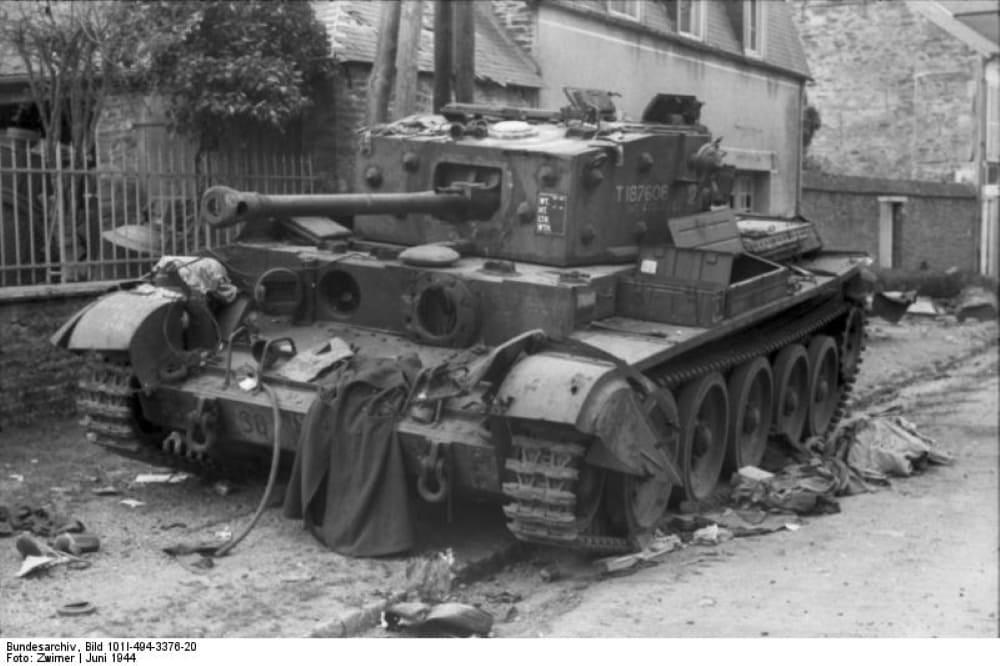 Подбитый британский танк «Cromwell»