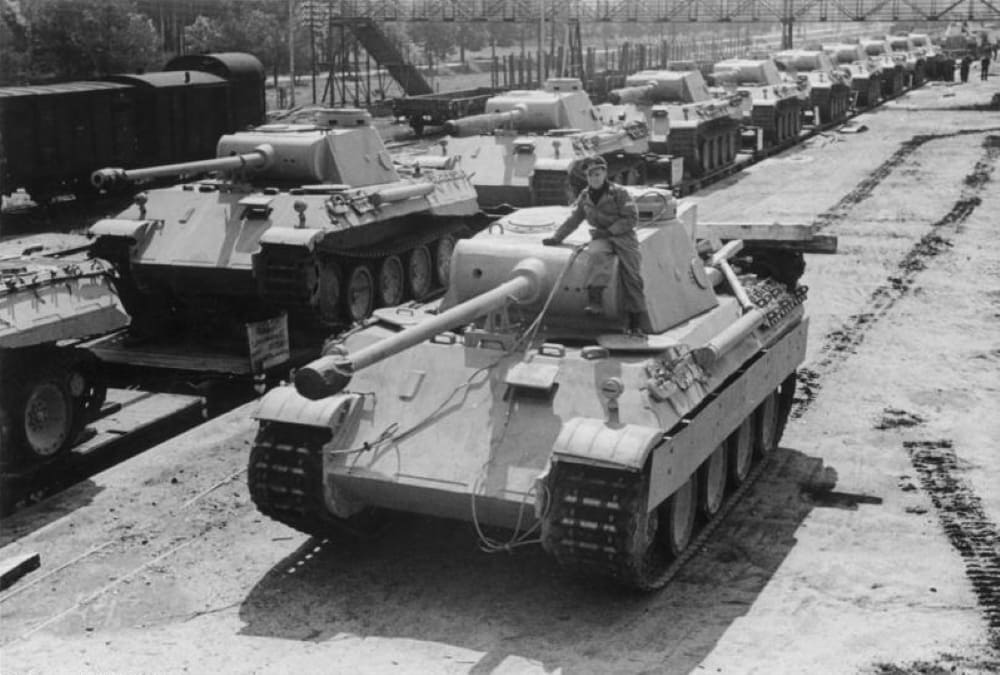 Танки «Пантера» Ausf. D, 1943 год.