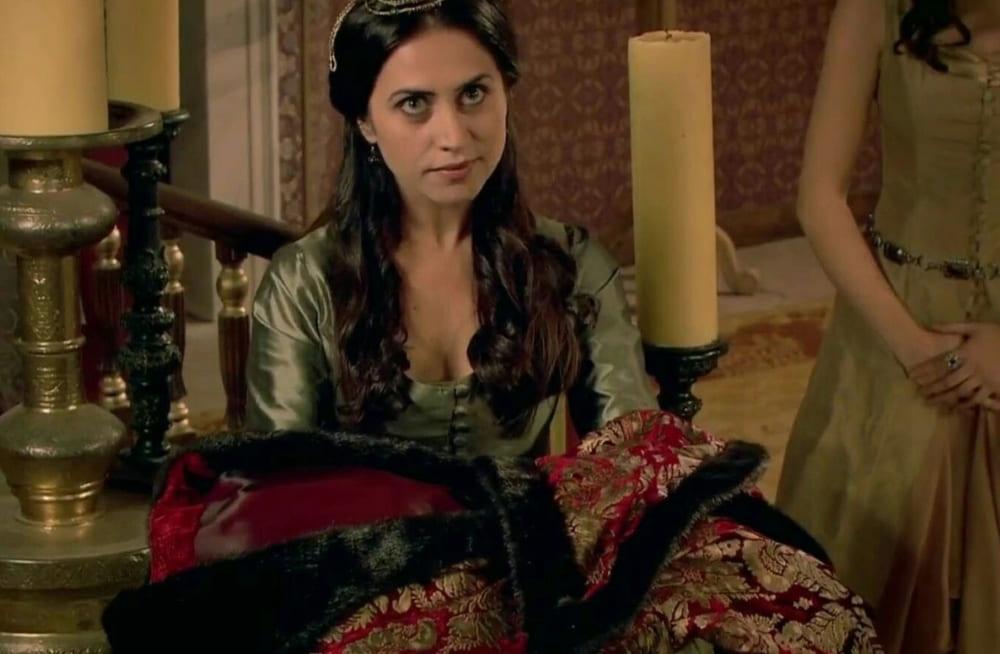 Образ Гюльфем-хатун в сериале «Великолепный век»