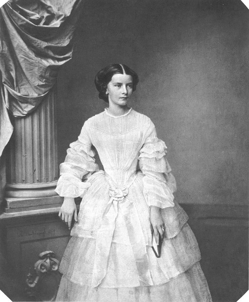 Елизавета Баварская в 1857 году/ фотограф Франц Ганфштенгль