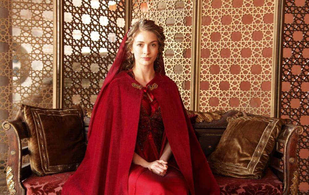 Образ Фатьмы-султан, жены Баязида, в сериале «Великолепный век»