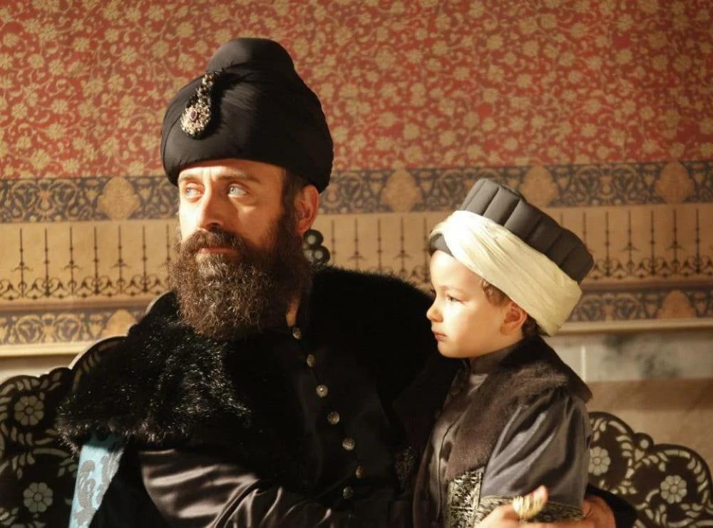 Образ султана Сулеймана и шехзаде Джихангира в сериале «Великолепный век»