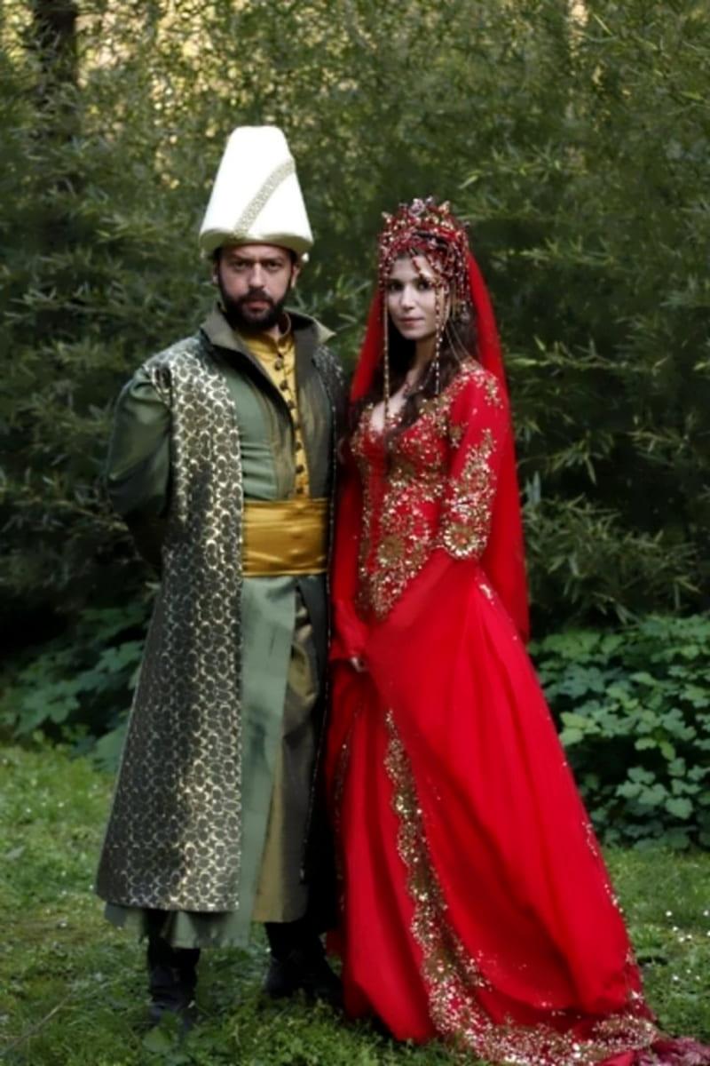Свадебный образ Хатидже-султан и Ибрагима-паши в сериале «Великолепный век»